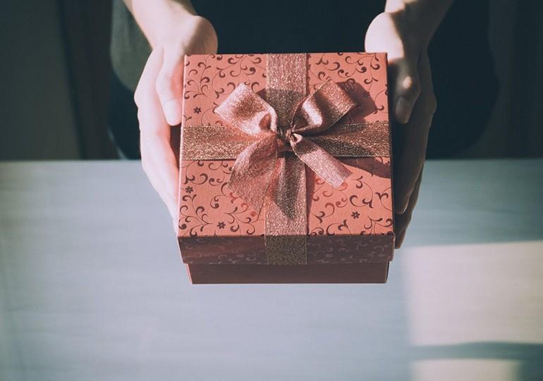 15 món quà tặng dễ thương, siêu đáng yêu dành cho bạn gái